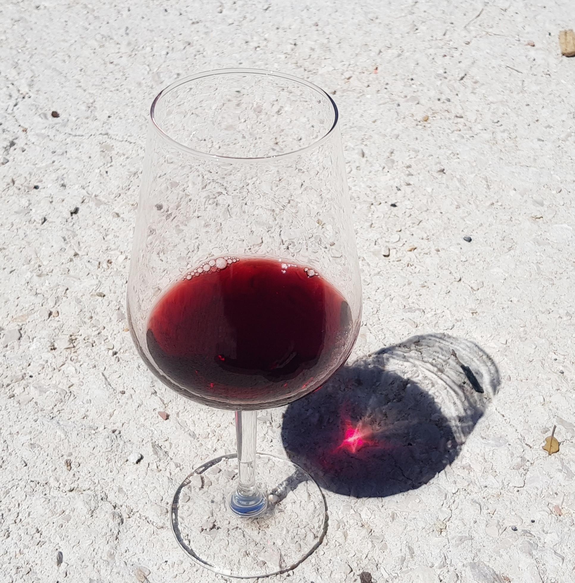 Bicchiere di Sagrantino Tenute di Saragano