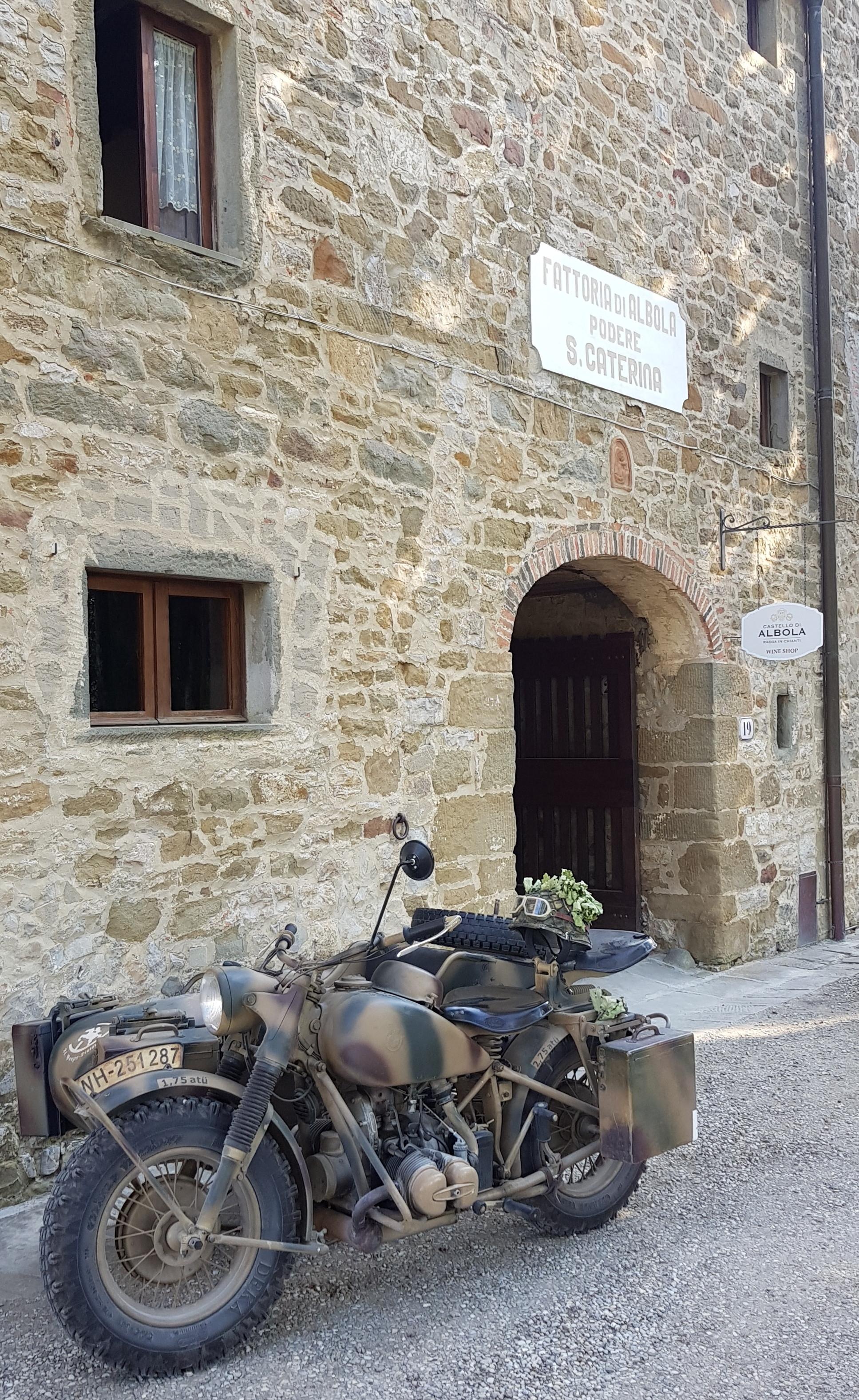 Castello di Albola moto